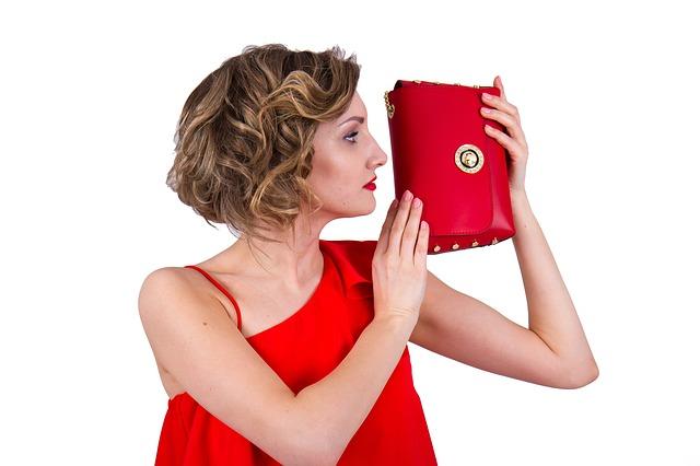 žena a kabelka.jpg